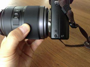 レンズが太いのでGX1の底面とは高さが揃いません