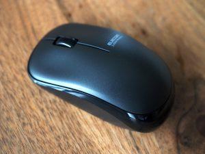 小ぶりなマウス。普通。