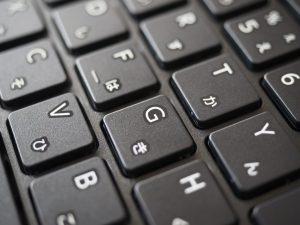 キートップをアップで。文字は昇華印刷とかではなさそうなので、そのうち剥げてきそうです。