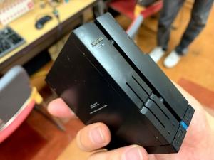 X68000の形をしたラズパイケース。これはいまも販売しているので、知ってる方は多いかも。LEDが光るように改造されてました(さすが)