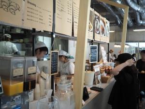カッセスはパン屋さんですが、ランチなども提供しています。