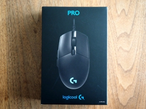 「PRO GAMING MOUSE」の箱正面。