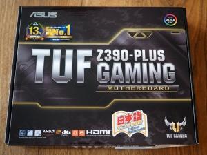 今回購入した「ASUS TUF Z390-PLUS GAMING」の箱正面。