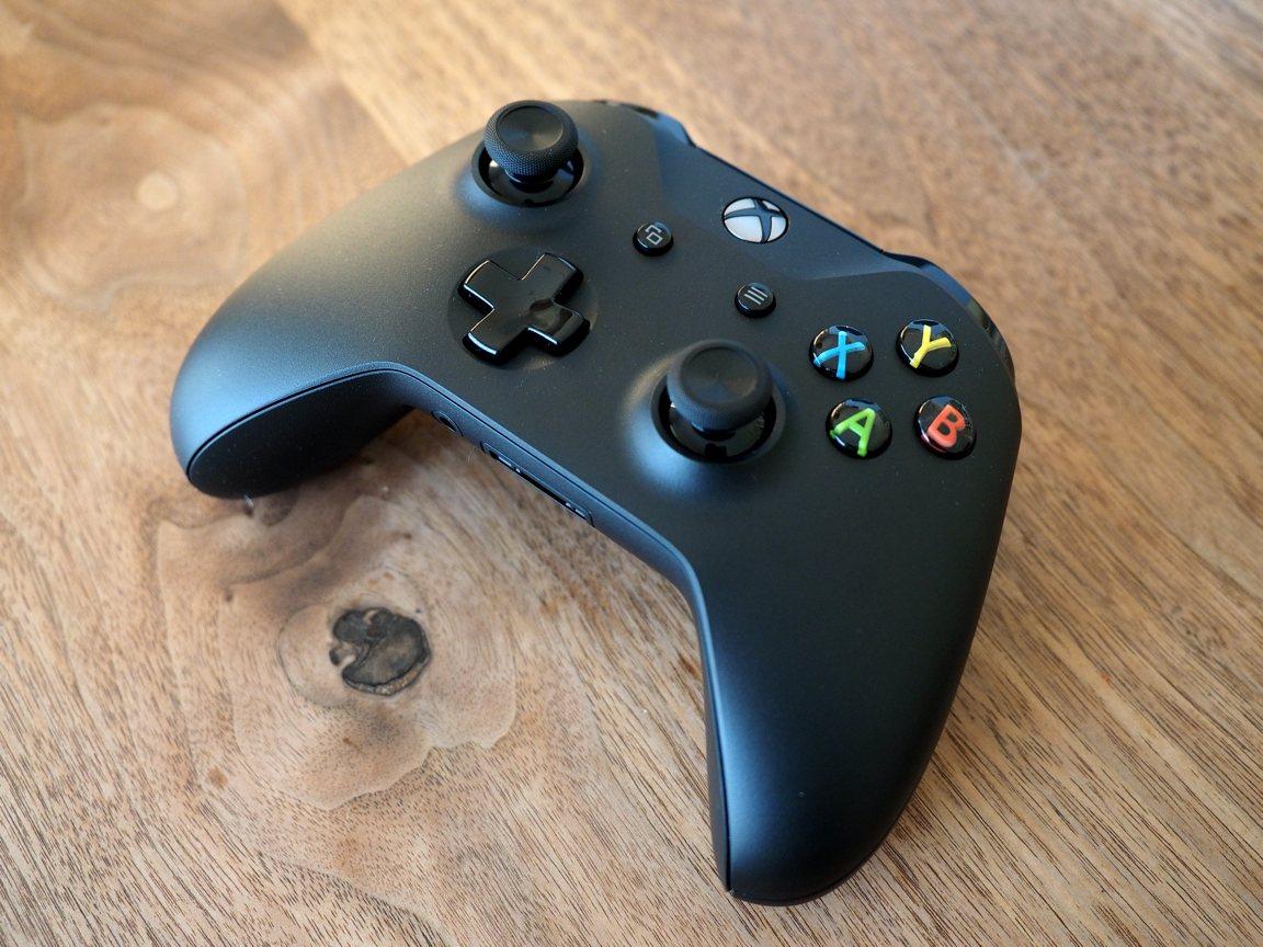 Bluetooth対応Xboxコントローラ