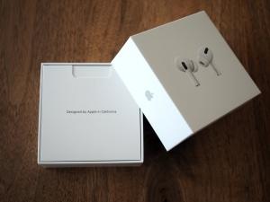 Apple製品を開ける時のワクワク感よ...(わかる人にはわかる)