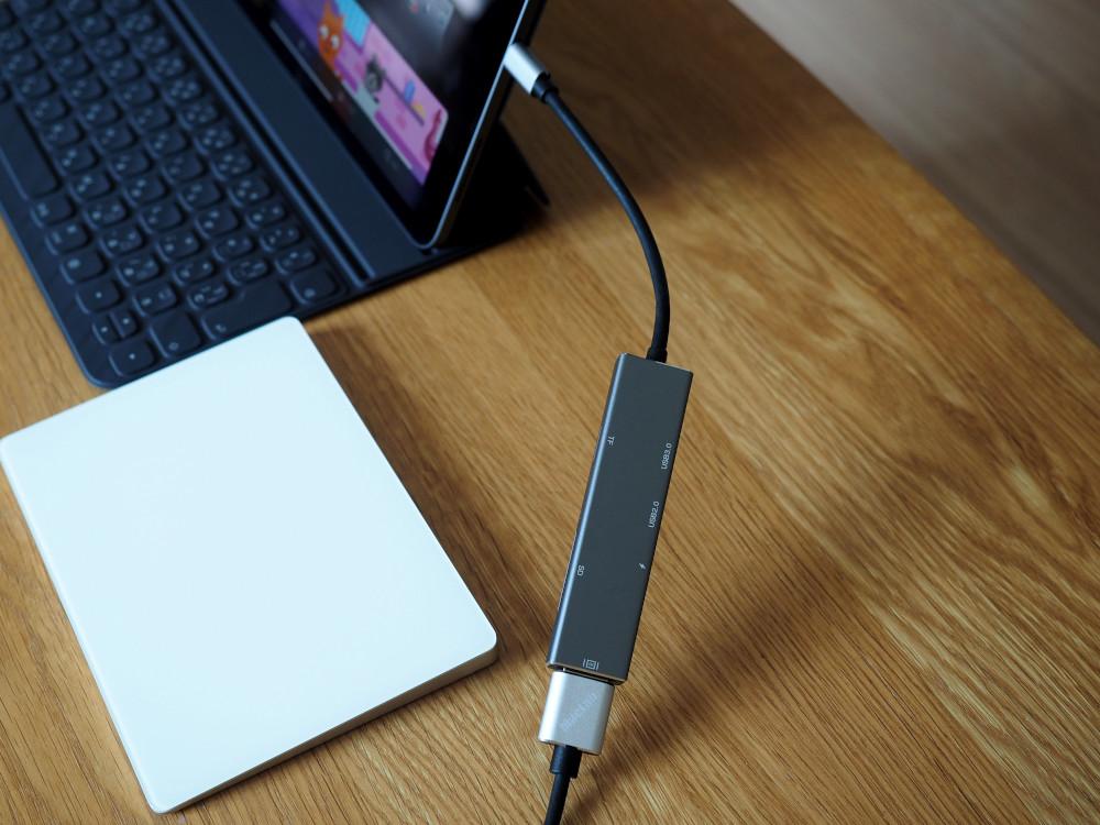 USB-C ドッキングステーション