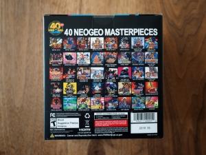 箱の裏。収録されているゲーム40本がこちら。