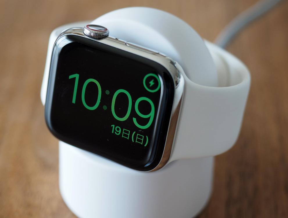 AppleWatchの謎の充電器