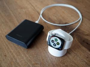 モバイルバッテリーに繋いでみましたが、充電はできませんでした。出力ポートを変えてみてもダメ。