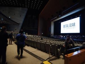 こちらが東京国際フォーラムのホールA。1、2階席合わせておよそ5,000席の大ホールです。