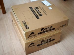 ローザの箱。そこそこ重いので、女性は手伝ってもらわないと大変かも。組み立て難度は低いですが。