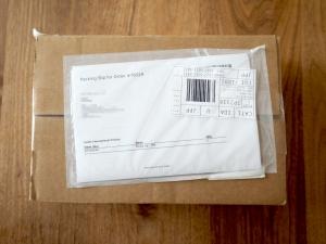 Analogue直販でしか購入できないため、はるばる米国から届きました。発送はFedExで、国内輸送は日本郵便。