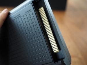 メガCD接続用の端子。他の互換機ではまずありえない贅沢仕様です。